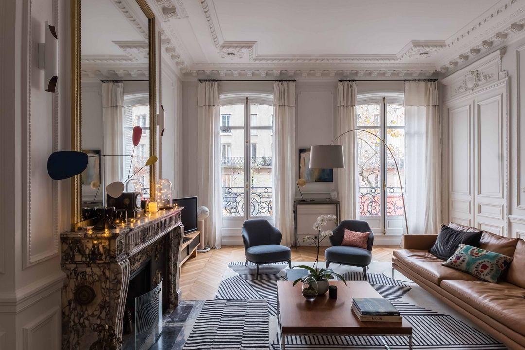 Magnifique haussmannien salon s jour en 2019 Decoration appartement moderne
