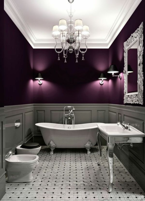Lila Und Grau Farbkombination Im Badezimmer Kronleuchter Wanne