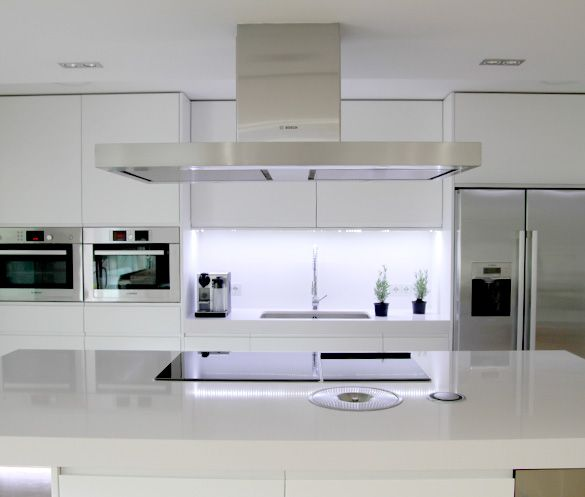 Plan de cuisine fonctionnelle 105 idées pratiques et utiles éclairage led led et cuisine fonctionnelle