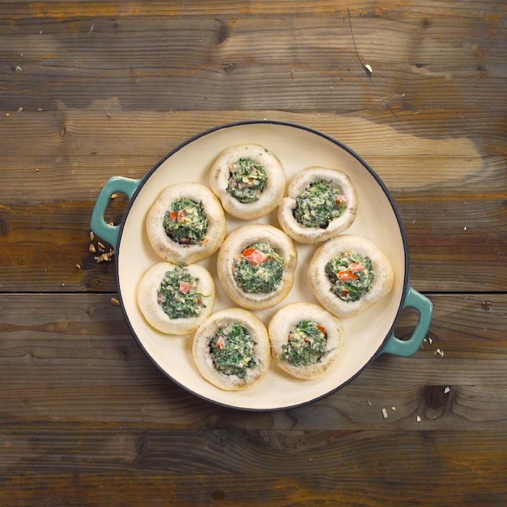 Gefüllte Champignons mit Spinat und Frischkäse