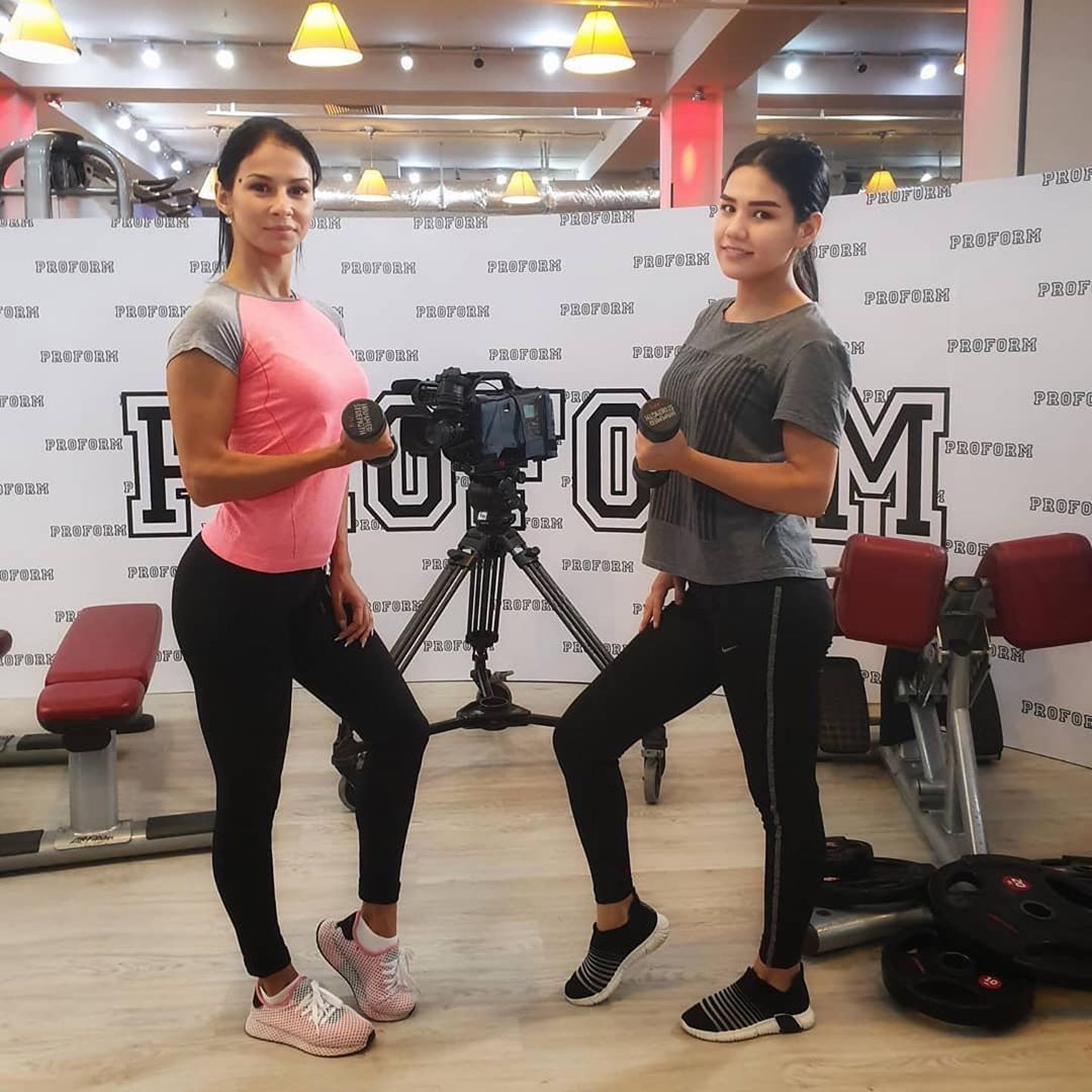 #Repost @margarita.avdonina ・・・ Сегодня у нас съёмочный день🏆🎤🎥🎬 #bodybuilding#model#bikini#sport...