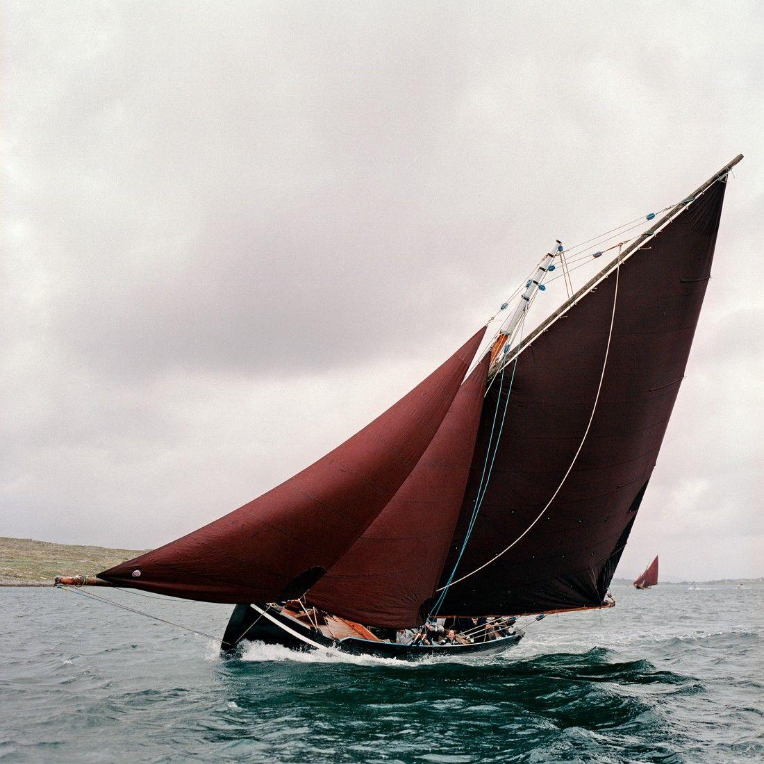 Burgendy sail - Maurice_Gunning