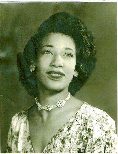 1950s Beautiful Woman Black Women Hairstyles