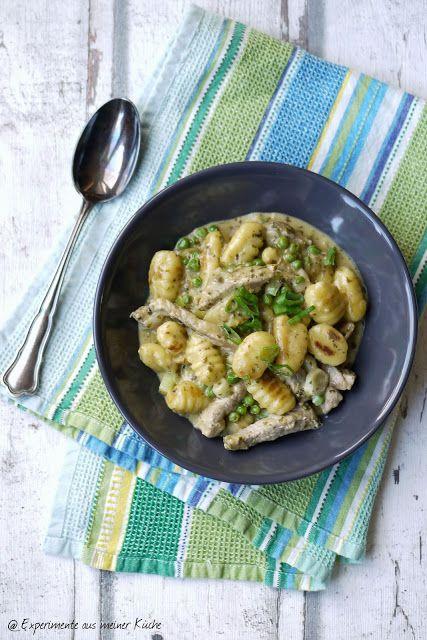 Geschnetzeltes mit Gnocchi in Pestosahne Gnocchi and Food - experimente aus meiner küche
