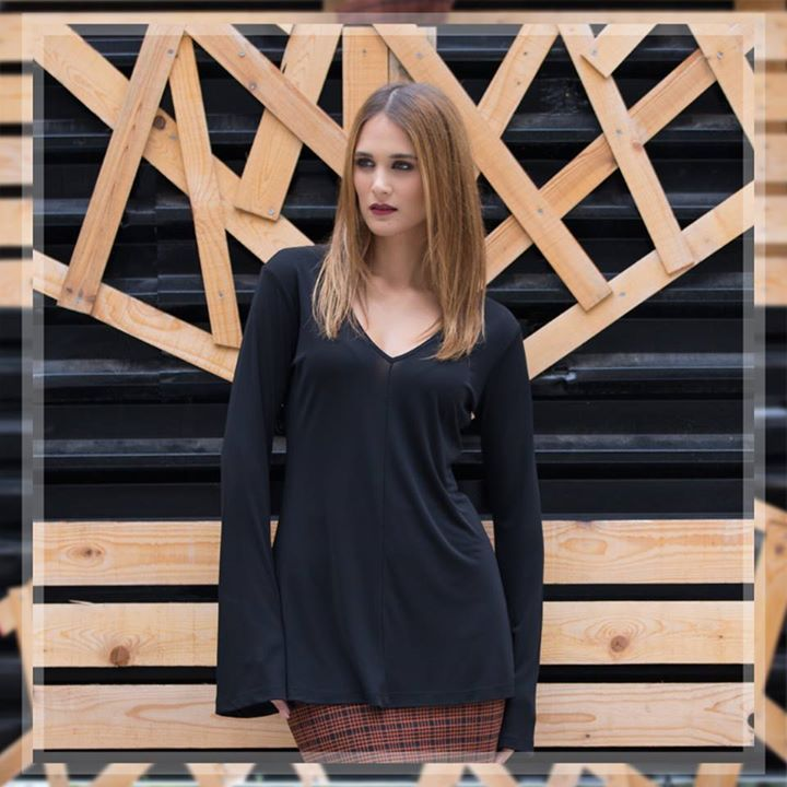 Combine darker hues to  #look sophisticated and  #elegant; we suggest some  #out... - http://blog.bybrand.gr/combine-darker-hues-to-look-sophisticated-and-elegant-we-suggest-some-out/