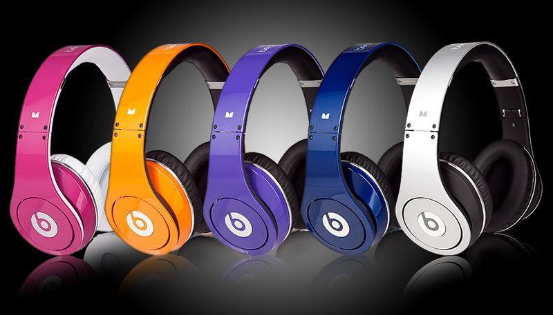 Beats by Dr. Dre Studio Colors. The small version is PERFECT for workouts.  Amazing sound and no battery or charging required. Score! ab538dcfc