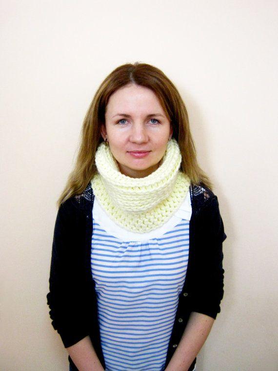 READY TO SHIP  Crochet Double-Sided Cowl Crochet by oxihandmade