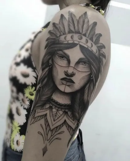 Find #NativeAmericanTattoos to inspire your next #indiantattoo [2020 Guide] - #TattooStylist #nativeamericantattoosforwomen #cherokee #indian #nativeamerican