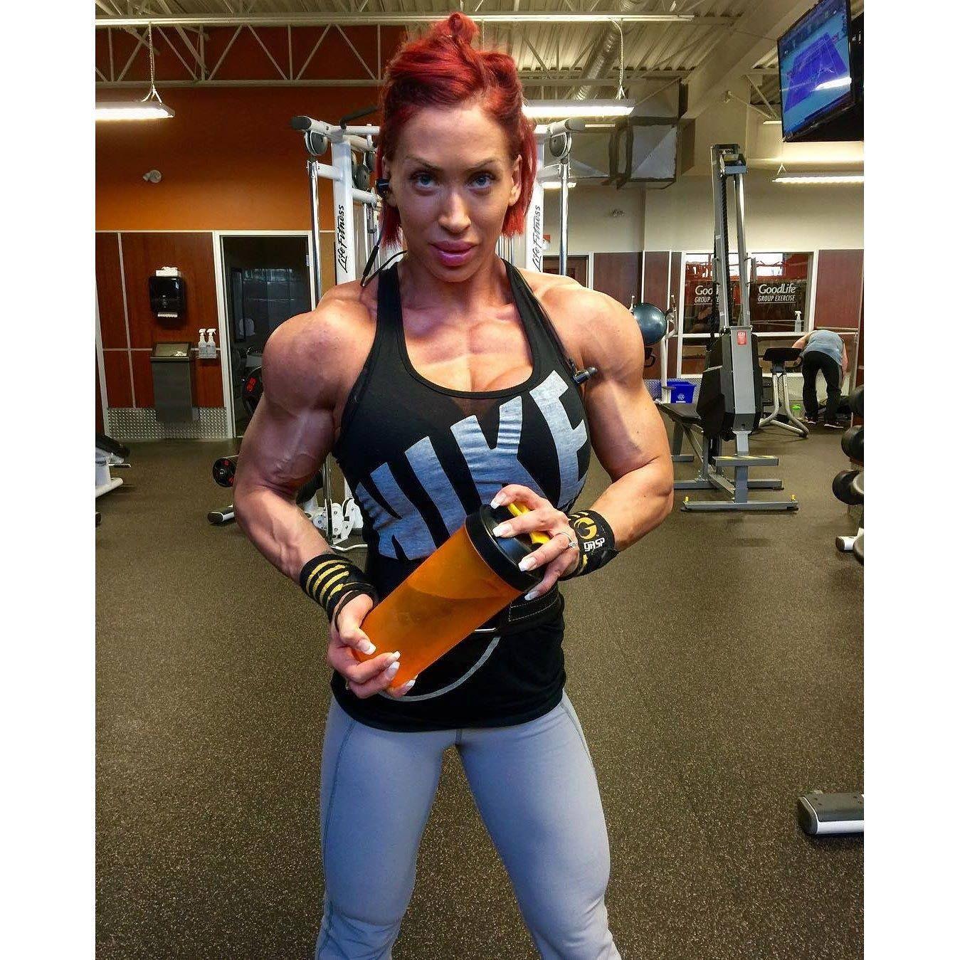 FITNESS Female Bodybuilders