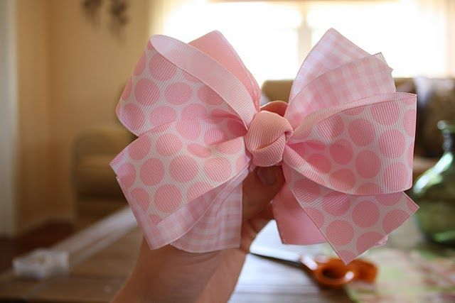 how to make bows~Another pinner said: this is the easiest way I have found and they are by far the most beautiful and full