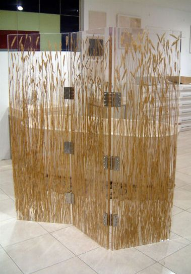 Ti Part Screen Features Rye Straw Cast In Resit And Acrylic