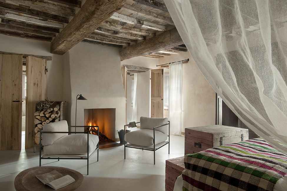 Unique Visually Stunning And Luxurious Tuscan Interior Design