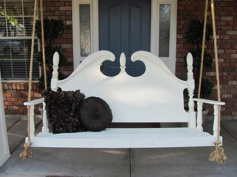 We've recently showed a few ideas on how to recycle old bed heads.    I think this is my favourite.