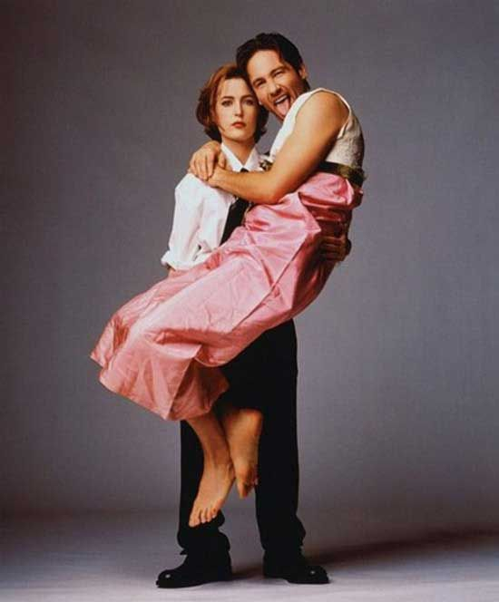 Gillian Anderson And David Duchovny For Us Magazine 1997 Photo