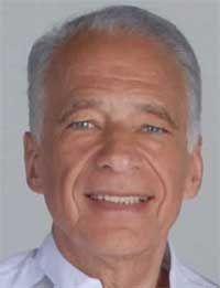 Alberto Cormillot es un reconocido medico Argentino, quien desde 1964 participo en mas de 8,000 programas de Television y actualmente conduce Cuestion de Peso, junto a Claribel Medina.    http://robertoramasso.com/alberto-cormillot/