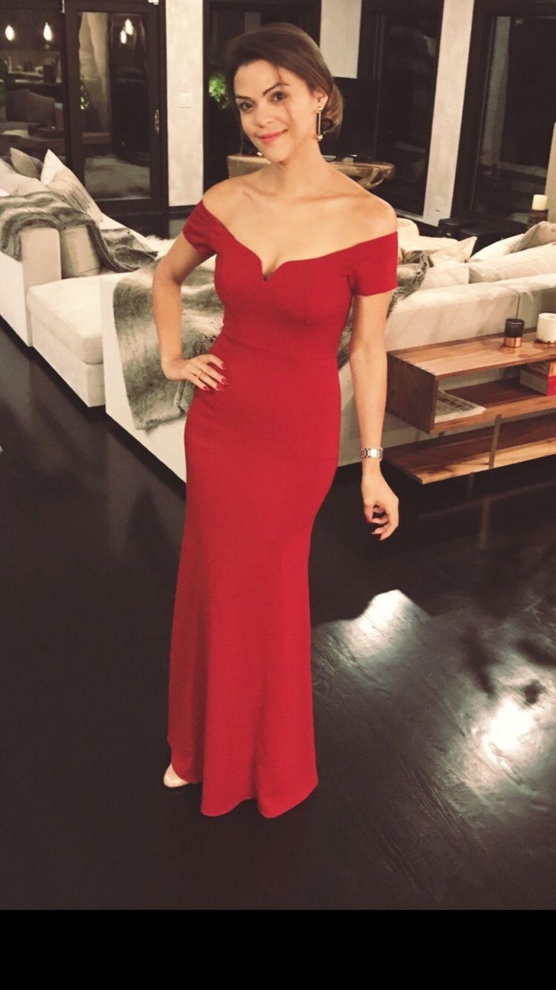 Model fashion off the runway rental dresses