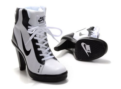 retroceder genéticamente Primero  Dunk High Heels High Shoes-Cheap Women's Nike Dunk High Heels High Shoes  White/Black High Shoes For Sale from offic… | Nike high heels, Nike heels,  Boot shoes women