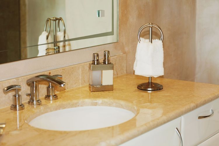 How To Make A Small Bathroom Look Bigger Small Bathroom Budget Bathroom Remodel Small Bathroom Remodel