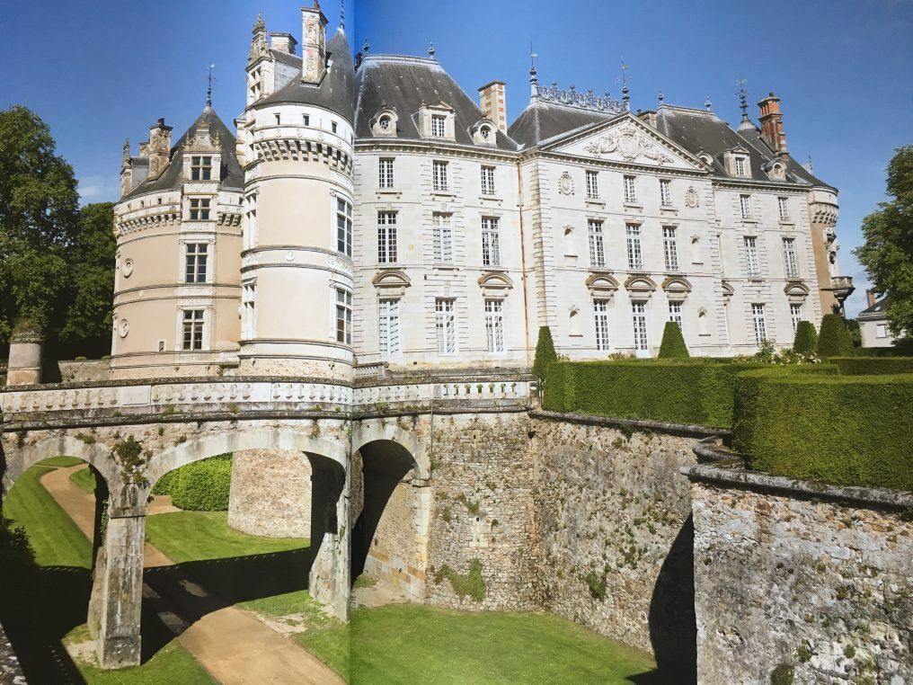 Le Lude, a modern days fairy tale castle and now a book