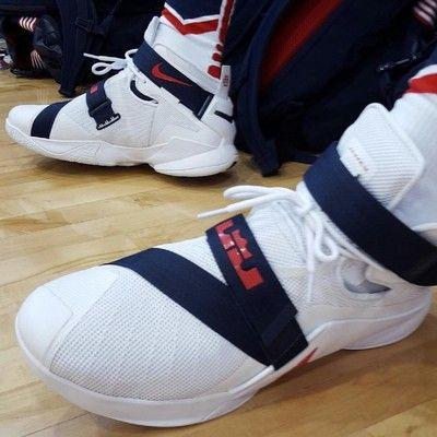 96d85f8ce8b4 Nike Lebron Soldier 9