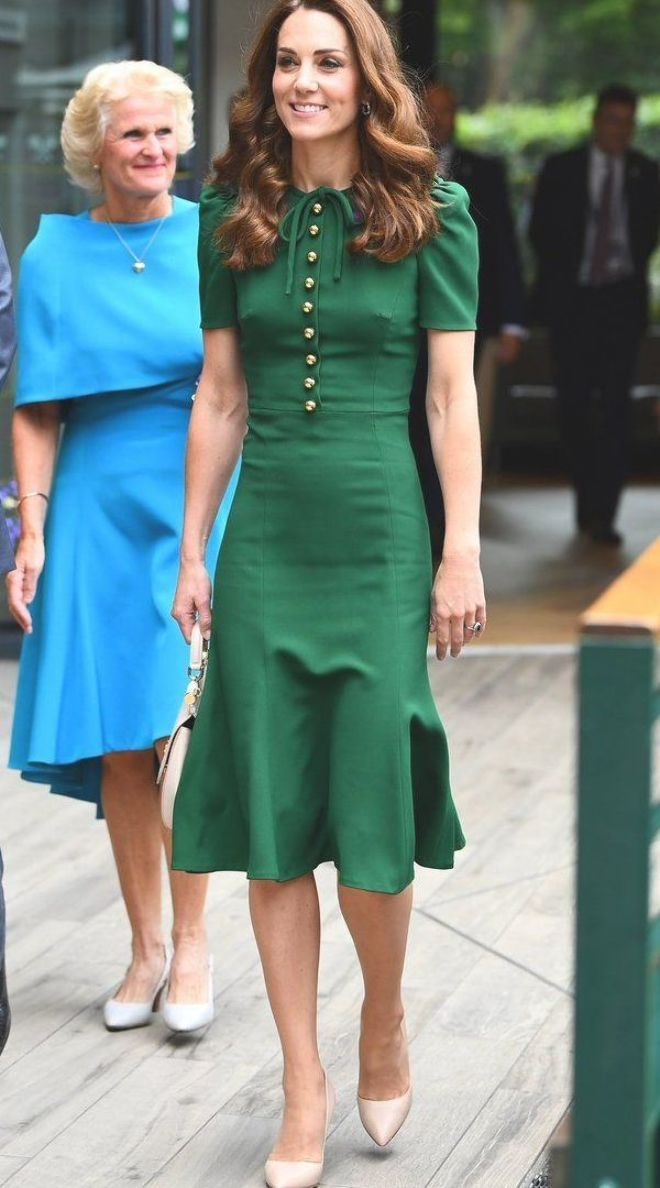Kate Middleton Sports Gorgeous Green Dress At The Chelsea