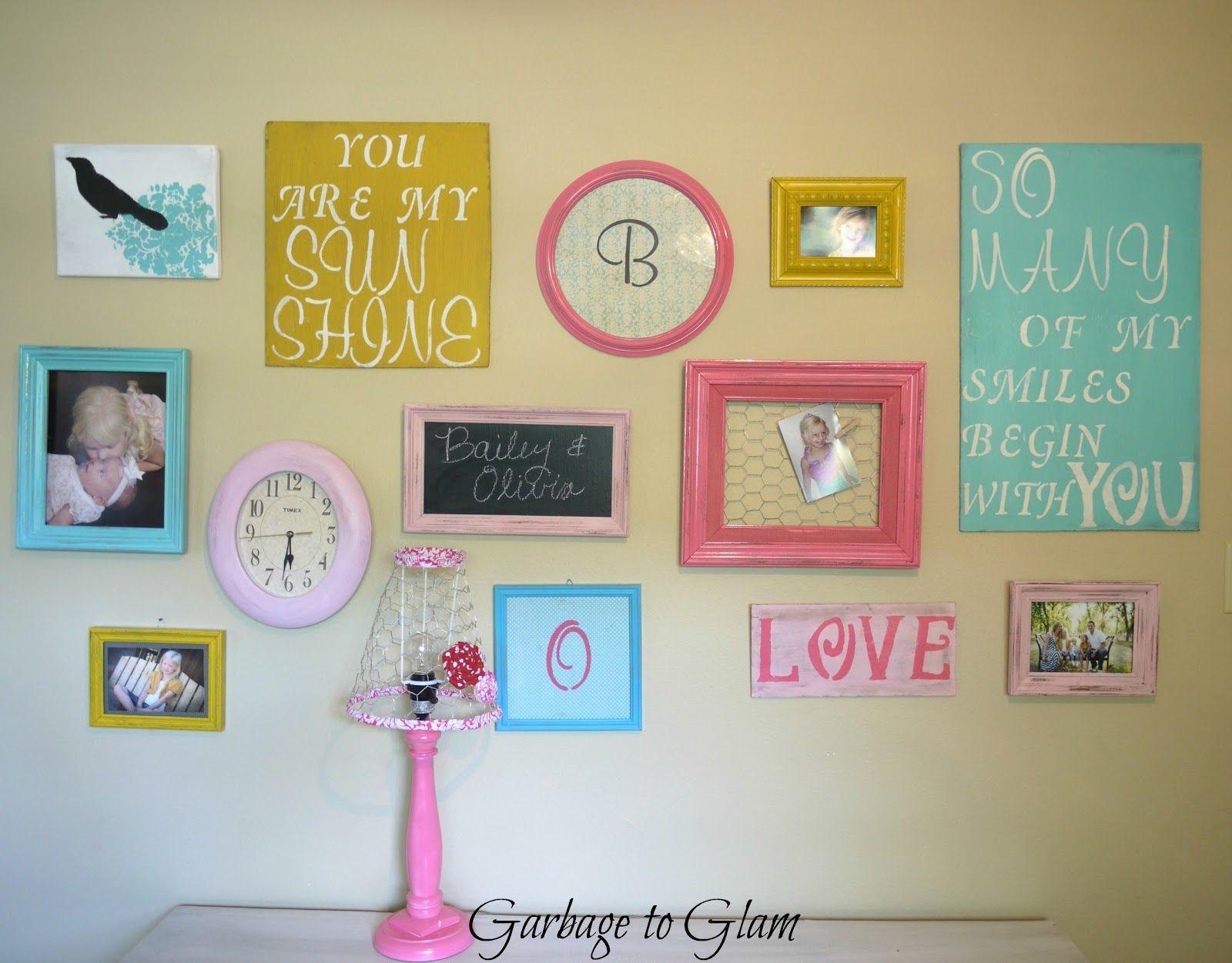 like the combo of different frames | Girls\' room | Pinterest ...