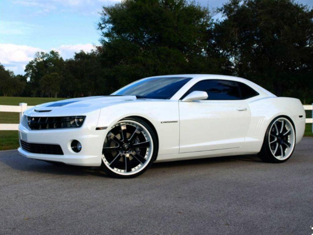 Camaro chevy camaro 24 inch rims : White Camaro with 24inch Savini wheels | Joe's favorites ...