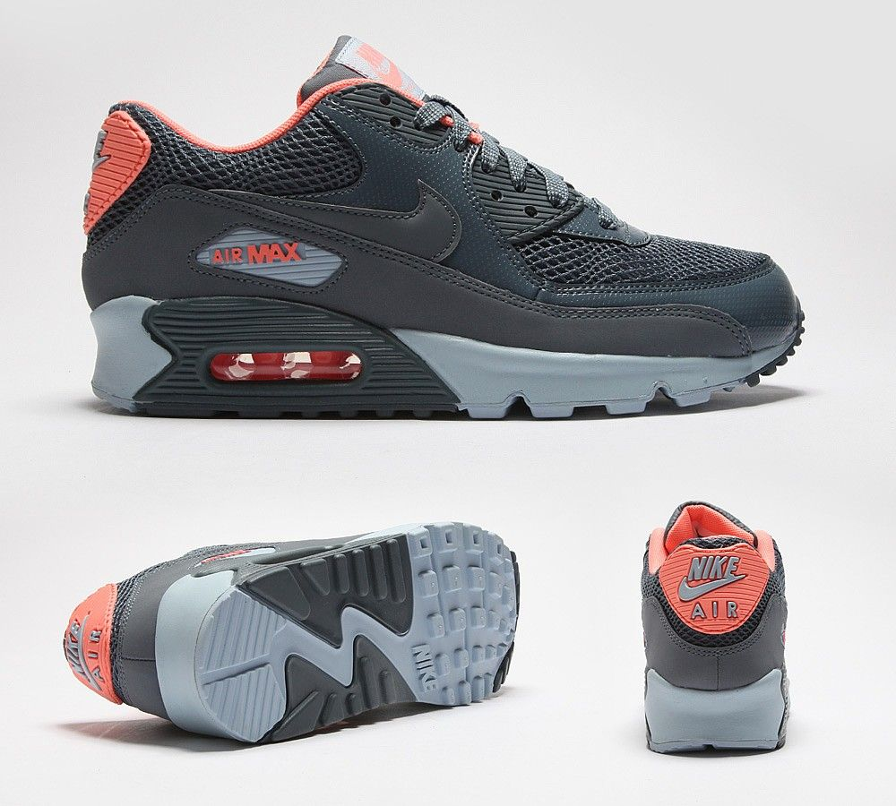 NIKE Womens Air Max 90 Trainer  258760c055