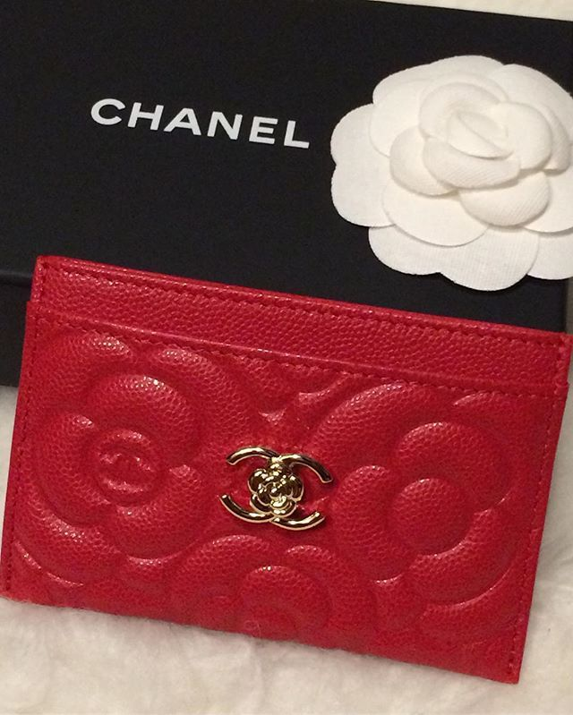 4ee390136f2c Red Caviar Leather Card Holder | Faves in 2019 | Chanel card holder ...