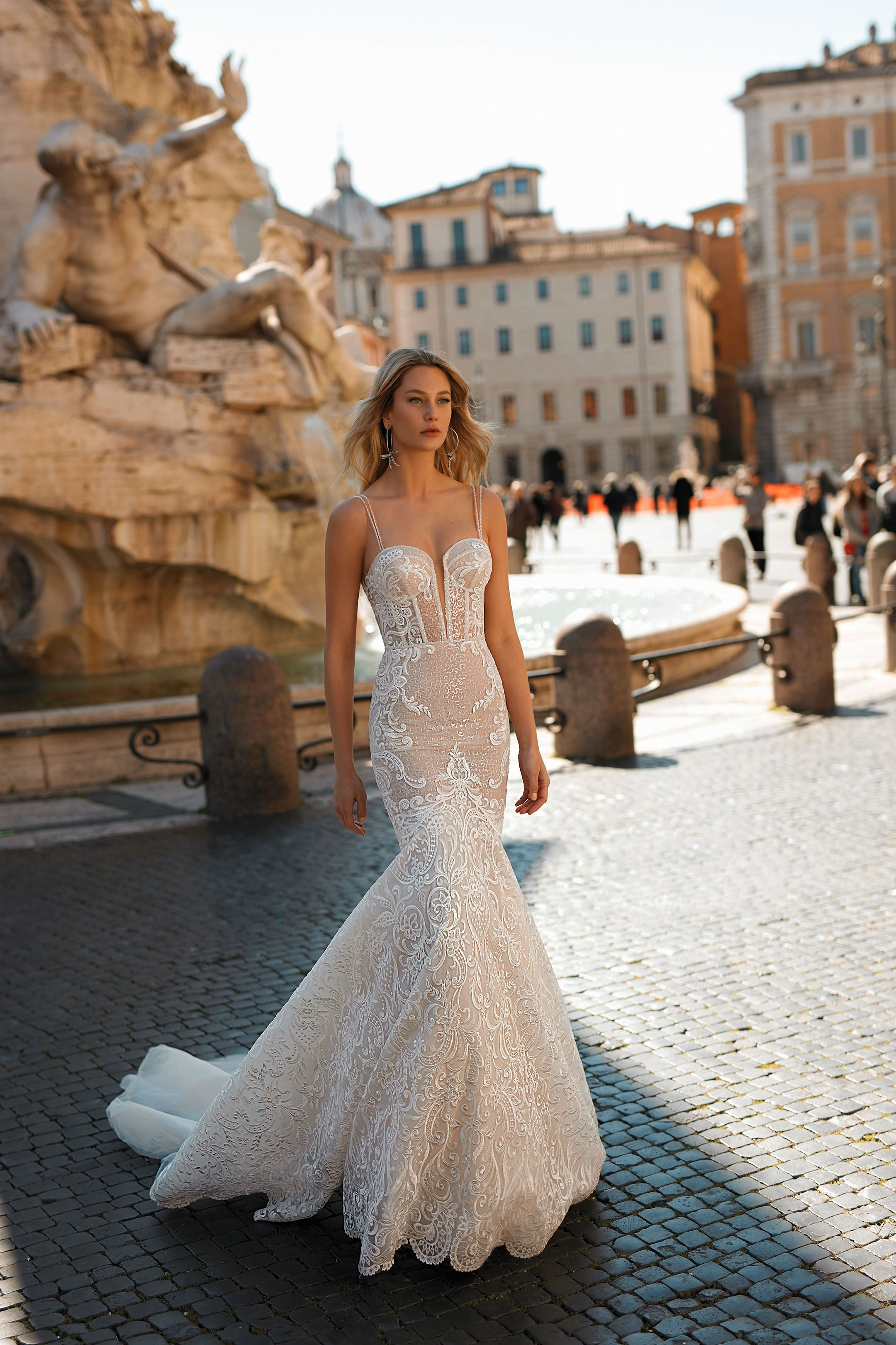 taglia 40 e7209 ef73c Berta Privée no 2 la collezione sposa Berta per il 2020 | Designer ...
