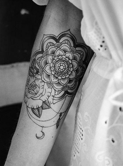 mandala tattoo blackwork moon flower private pinterest. Black Bedroom Furniture Sets. Home Design Ideas