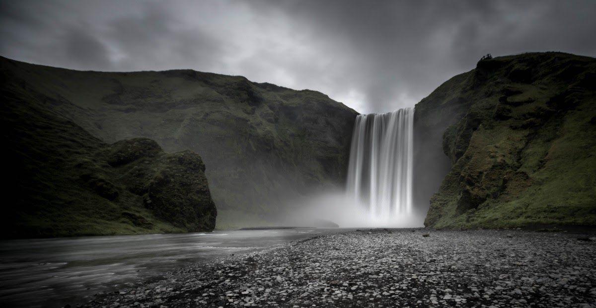 14 Gambar Keren Pemandangan Alam Gambar Pemandangan Alam Air Terjun Gunung Awan Hitam Download Foto Pemandangan Keren Alam Isl Di 2020 Pemandangan Air Terjun Alam