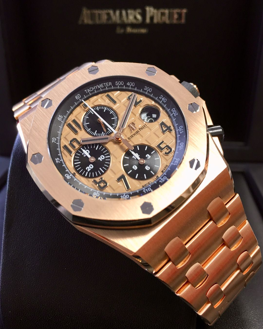 d338e15e817 Audemars Piguet Royal Oak Offshore 42mm 26470OR.OO.1000OR.01 ...