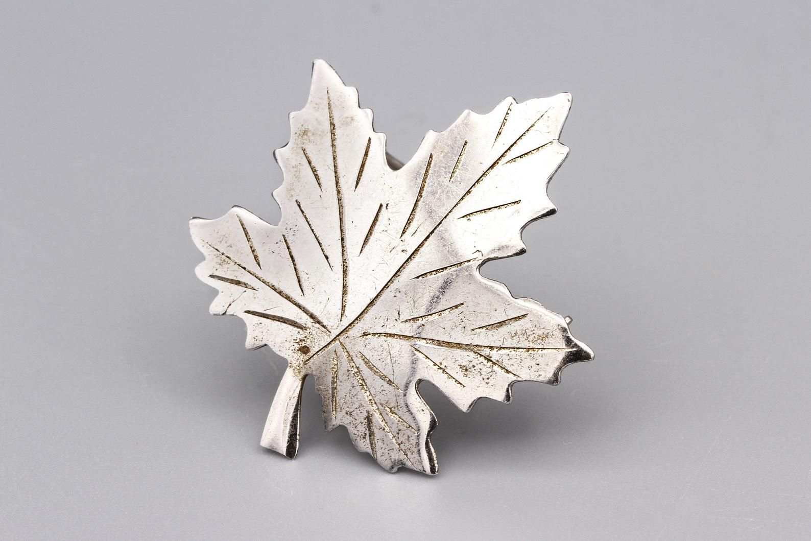 Signed Bond Boyd Sterling Maple Leaf Brooch Pin Nature