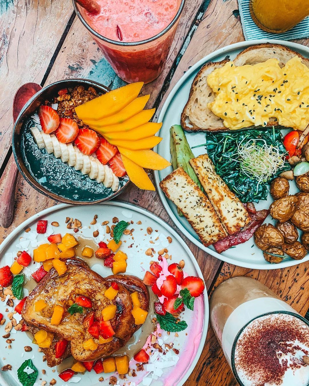 B R E A K F A S T I N B A L I If The Instagrammable Breakfast In Bali Doesnt Convince You To Go Then I Dont Know What W Small Meals Lunches And Dinners Food