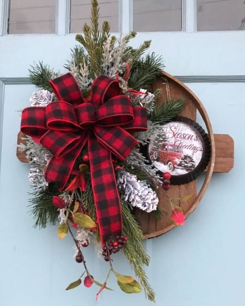 Easy And Beautiful Valentine Wreath Ideas Winter Wreath Christmas Wall Hangings Christmas Wreaths