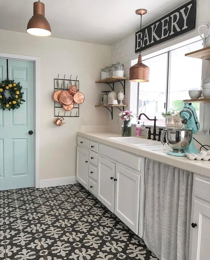 Farmhouse style. I ️ this Bakery sign Home decor kitchen