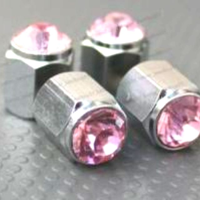 Pink lug nuts!!! I want I want i waaaant...