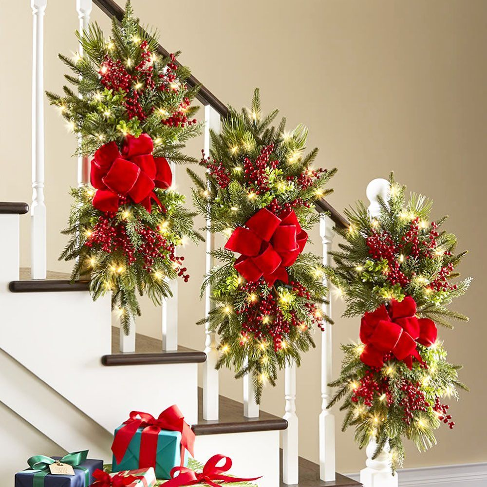 33 Best Christmas Banister Decorating Ideas In 2019