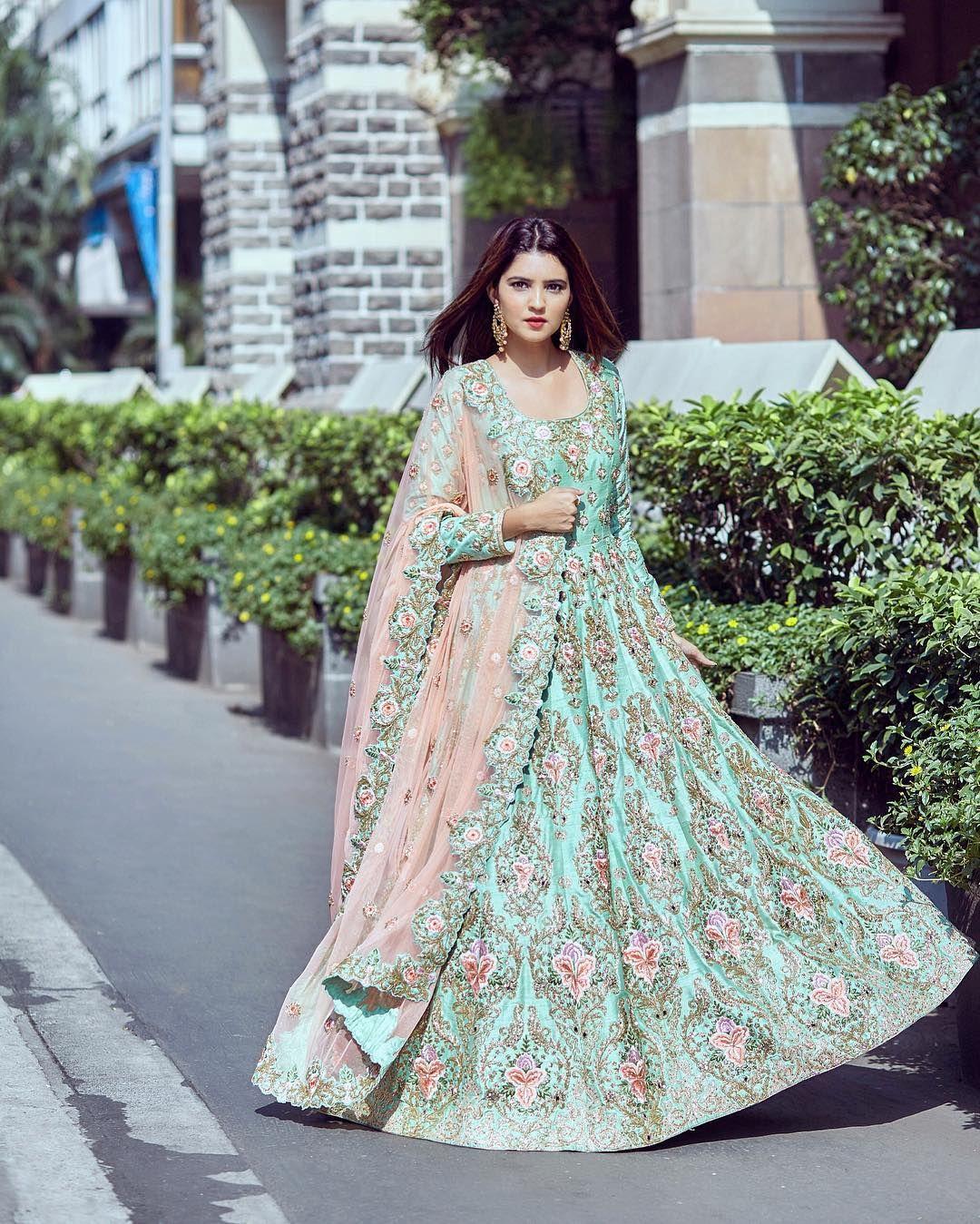 Nice Vestidos De Novia Divinity Adornment - Womens Dresses & Gowns ...