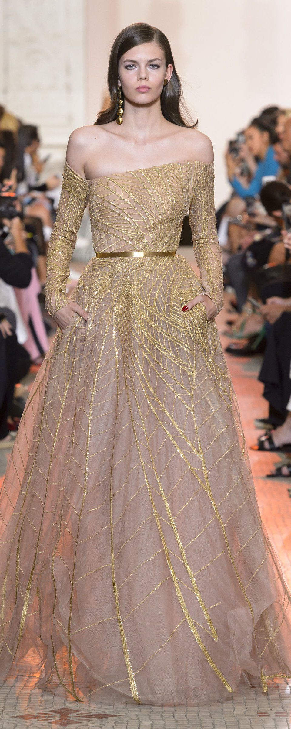 Elie Saab Fall-winter 2018-2019 - Couture - http   www 554ffe4f7809c