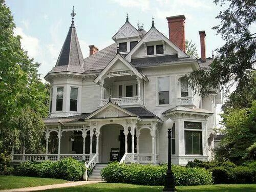 White Victorian Victorian Homes Victorian Style Homes Old Victorian Homes