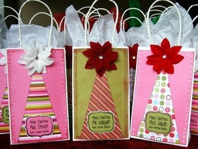 Festive Way To Decorate Christmas Bags Christmas Gift Bags Decorated Gift Bags Buy Christmas Gifts