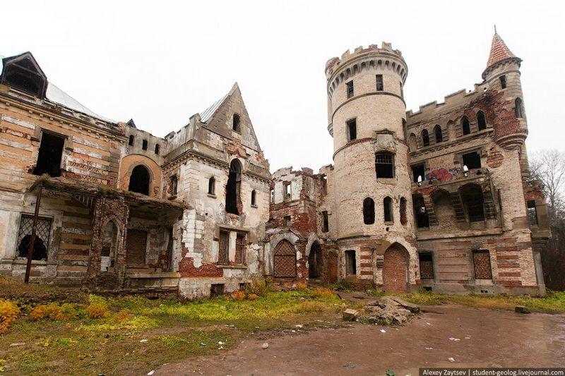 le magnifique ch teau abandonn du comte de khrapovitskiy en russie lieux abandonn s pinterest. Black Bedroom Furniture Sets. Home Design Ideas
