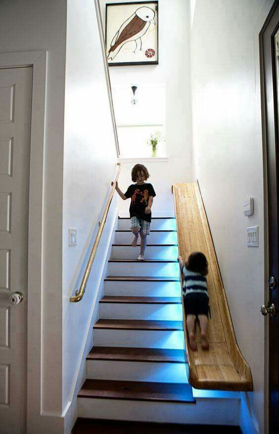 AuBergewohnlich Treppe Aus Holz Mit Rutsche Für Kinder