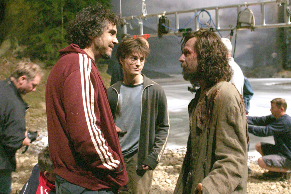 Back To Hogwarts Behind The Scenes Magic From The Harry Potter Film Series Popular Everything Harry Potter Scene Harry Potter Actors Harry Potter Pictures