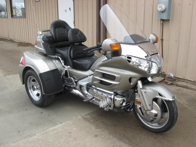 honda gl goldwing 1800 occasion en vente dans la r gion. Black Bedroom Furniture Sets. Home Design Ideas