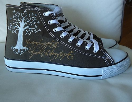 Lord of the Rings shoes (Converse style) customised by request. WANT <3