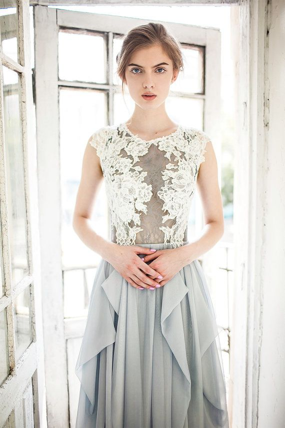 Hochzeitskleid grau