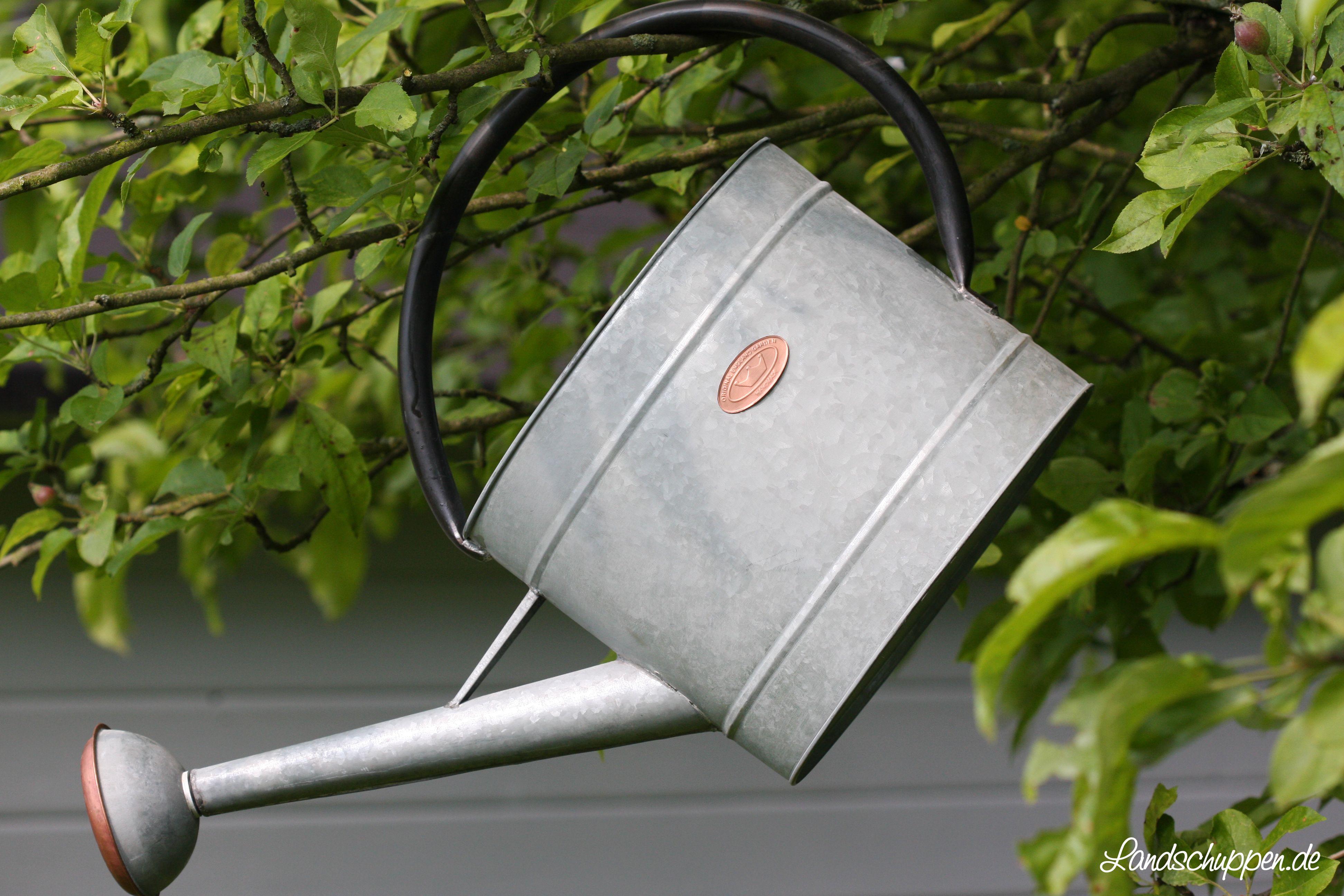 Nostalgie 7,5 L Gießkanne aus Zink mit abschraubbarem Brausenkopf. In Handarbeit gefertigt.